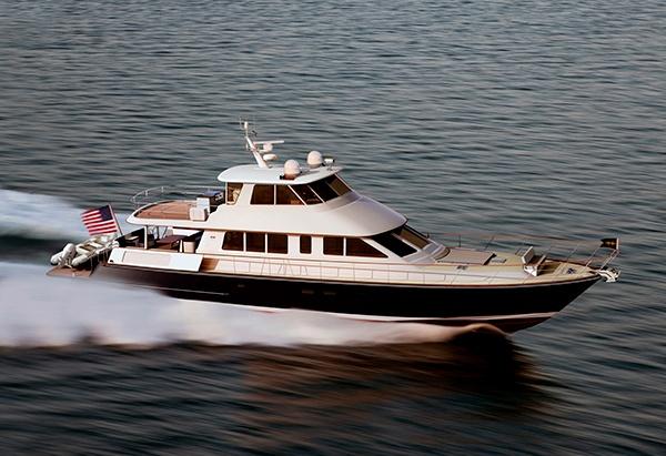 New Hunt Ocean Series 80 Yacht With Ground Breaking Hunt