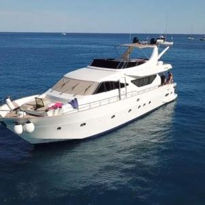 Yacht di lusso per Ponza Alalunga 72Yacht di lusso per Ponza