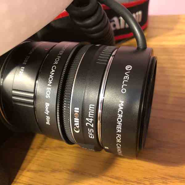 Picture of Vello Macrofier with reverse mount 24mm lens