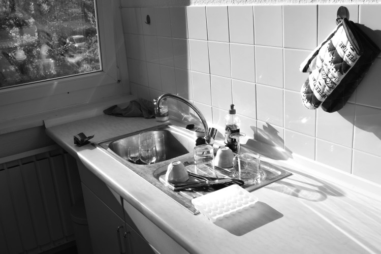 Berlin black and white kitchen