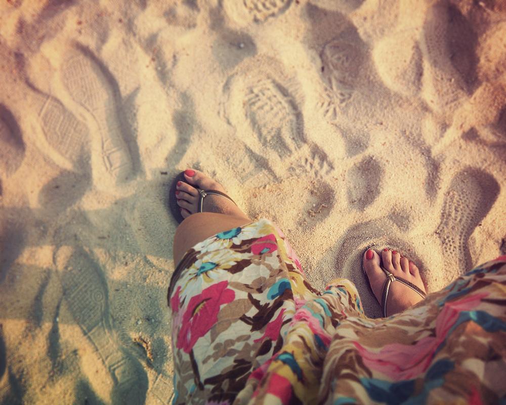 Sand on my feet feels like love