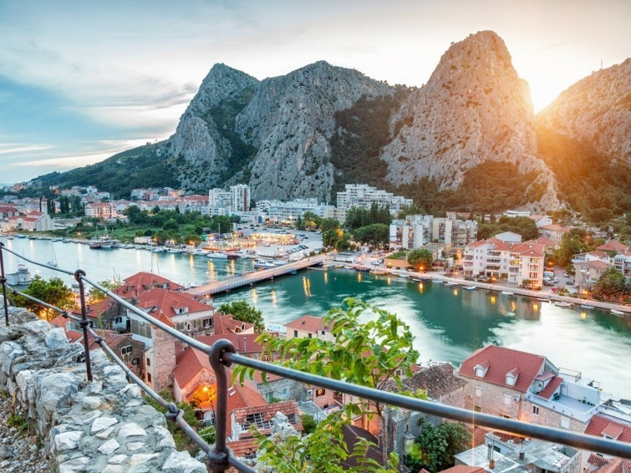 Things to do in Omis Travel Blog | Chasing the Donkey Travel Blog | Scenic