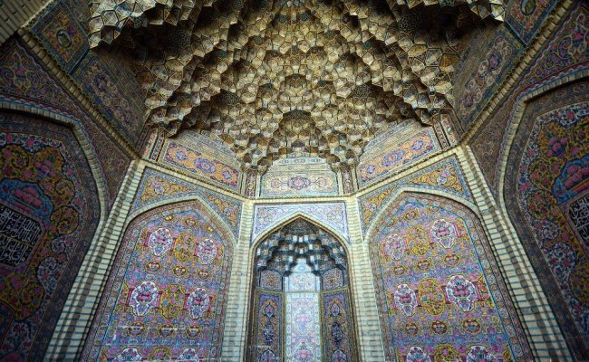 10 Reasons Why You Should Visit Iran Now Chasing The
