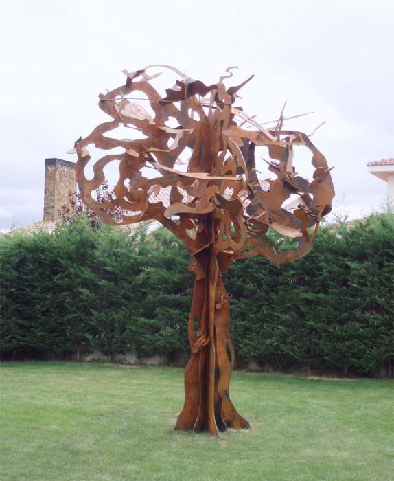 Escultura Arbol  Dormitorios de Forja Chasol  Camas