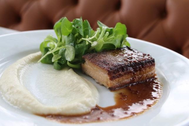 Special: Sous-vide pork belly, sun choke purée, violet mustard beer sauce, mâché green