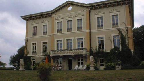 Le château de Bézyl, près de Sixt-sur-Aff, a été construit en 1870.