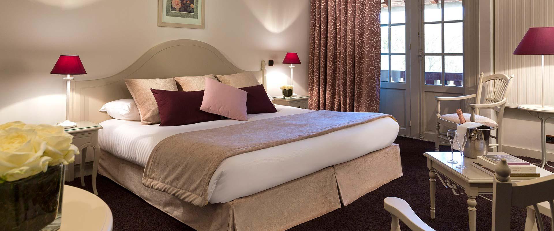 Chambre de luxe pour un weekend en amoureux dans un chteau  Chantilly