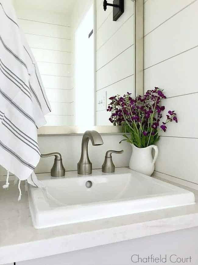 How To Build A Diy Farmhouse Bathroom Vanity Chatfield Court