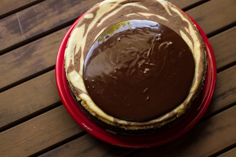 This Irish creme cheesecake with a chocolate stout swirl and bourbon ganache will make the cheesecake AND chocolate lovers in your life happy! | recipe from Chattavore.com