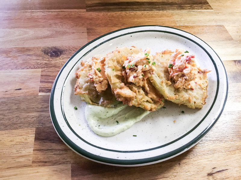 Screen Door Café is a restaurant in Soddy-Daisy, Tennessee (near Chattanooga) that serves amazing food in a homey, neighborhood atmosphere. #CHA #CHAeats | Chattavore.com