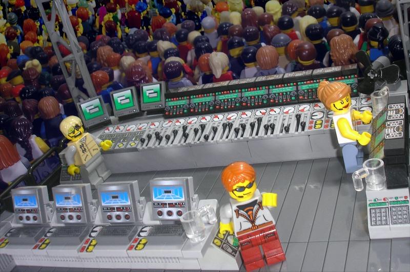 A LEGO Concert Kit YES PLEASE  CHAUVET Professional