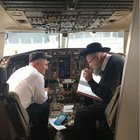 Kiddush Hashem.. Delayed plane.. Pilot asks for someone to learn Daf with