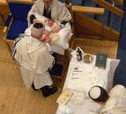 Holland's best-known Jewish circumcision pros are breaking the law, Health Ministry says