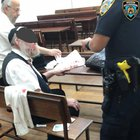 Williamsburg - Six Elderly Jews Assaulted While Walking To Shul [VIDEO]