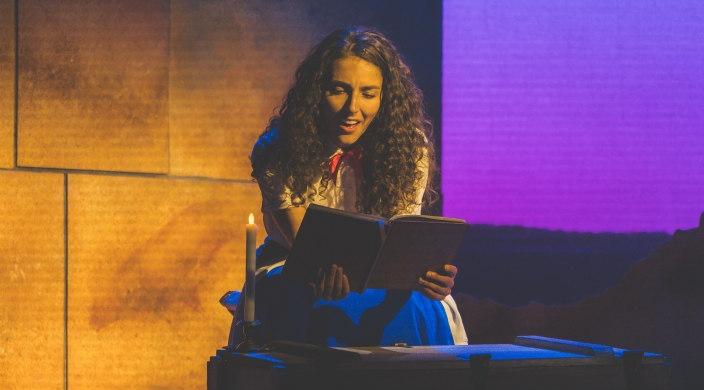 Actress playing Hannah Senesh in the play of the same name