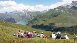 pique-nique face au lac de Roselend et face au Mont Blanc