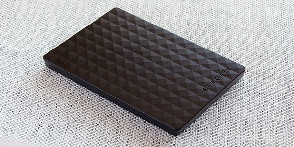 Seagate Expansion 2TB Portable External Hard Drive USB 3.0 Review