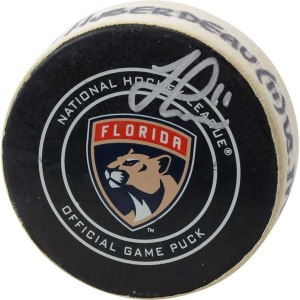 Autographed Florida Panthers Jonathan Huberdeau Fanatics Authentic Game-Used Goal Puck from December 22