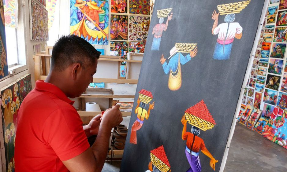 Guatemala_an artist at work