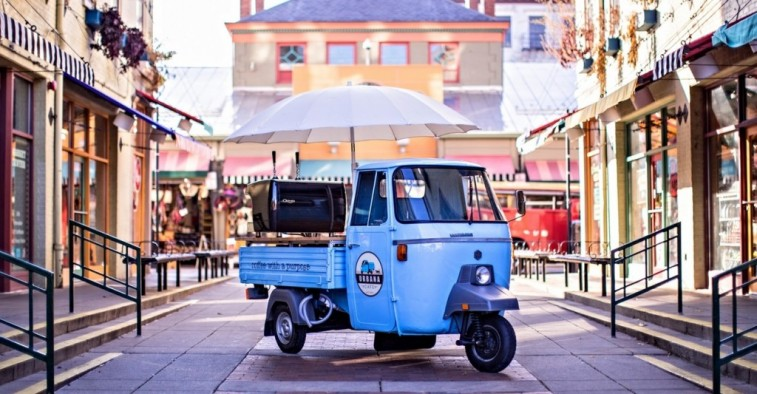 rolling kitchen carts rustic light fixtures 7 vehicles that would make fantastic food trucks