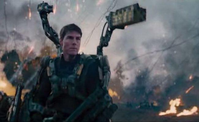 10 Crazy Movie Stunts That Tom Cruise Did Himself