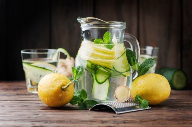 cucumber and lemon beverage