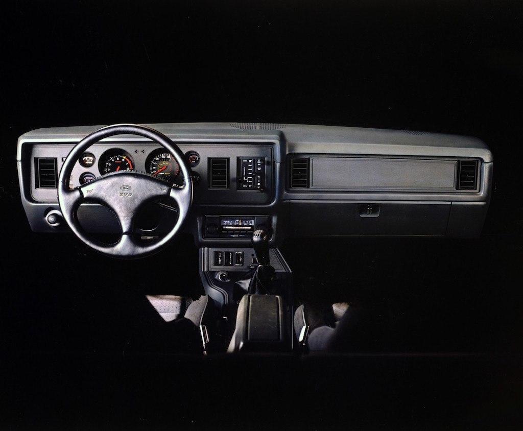 medium resolution of 2004 ford mustang fuse box location
