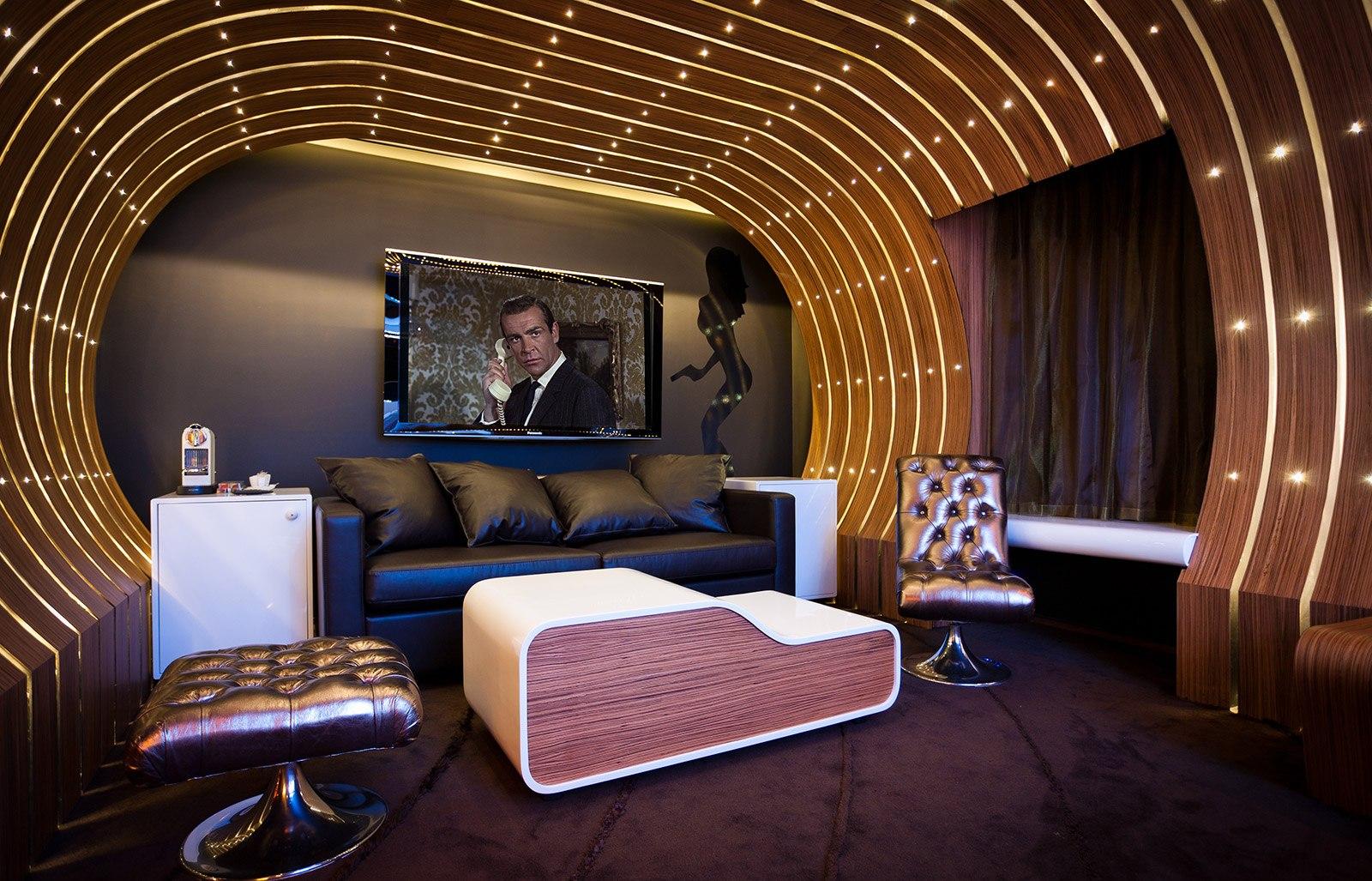 James Bond Hotel Room