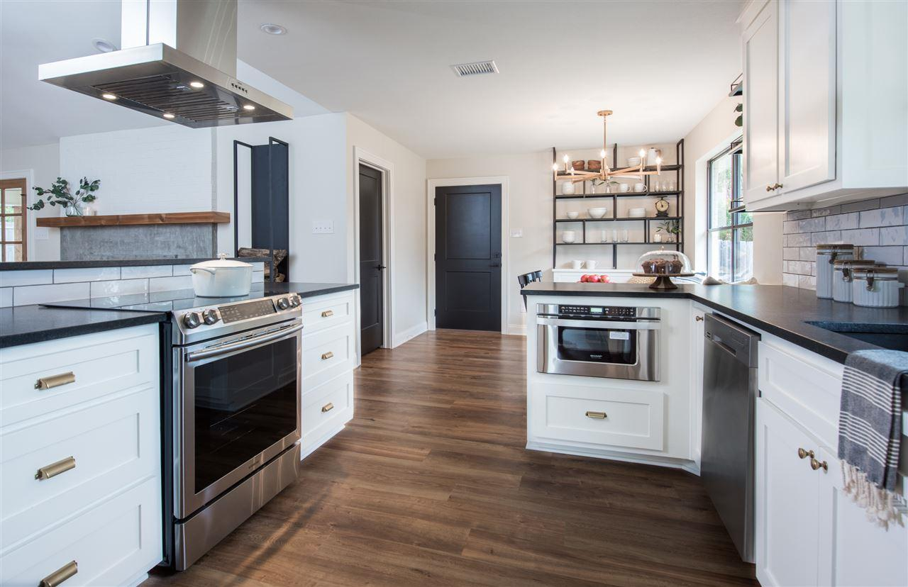 chip kitchen cabinets mini appliances and joanna gaines look inside the adorable home