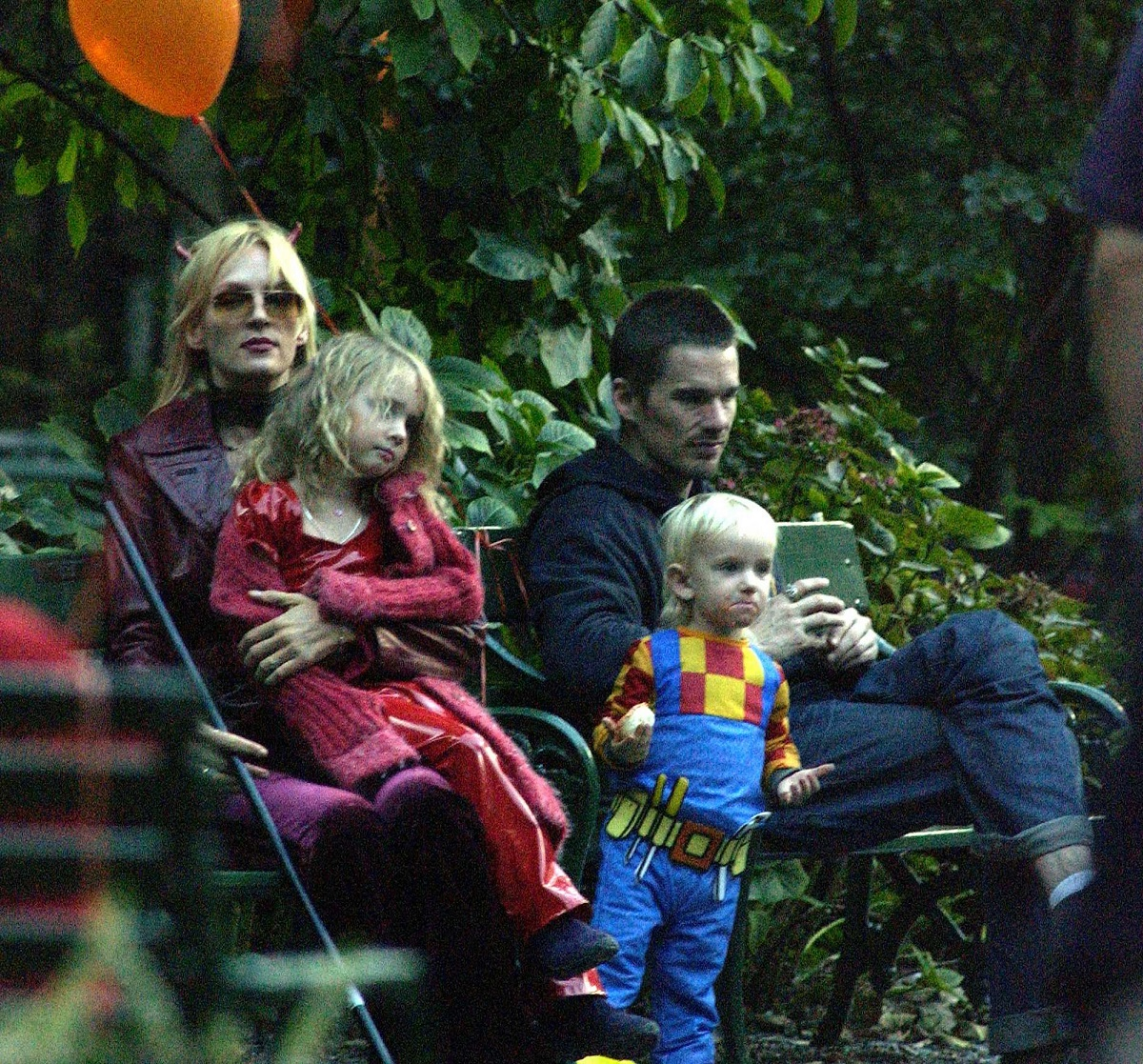 Ethan Hawk will visit Uma Thurman and his children for Halloween on October 31, 2003, in New York City.