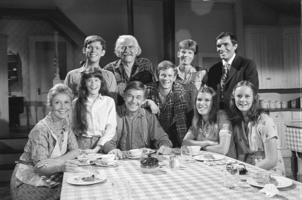 Waltons dinner table