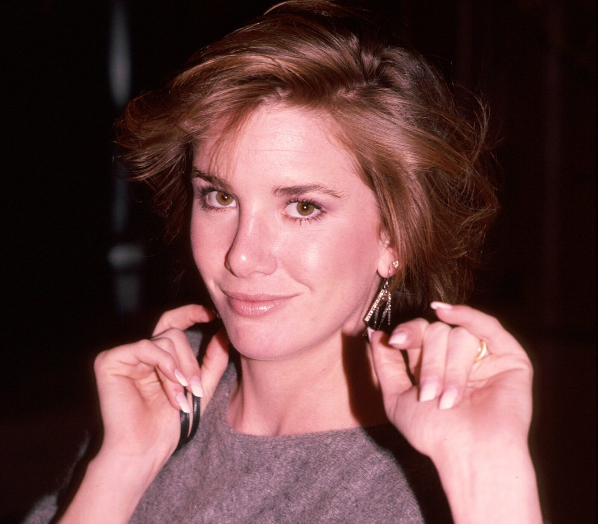 Melissa Gilbert standing for a picture