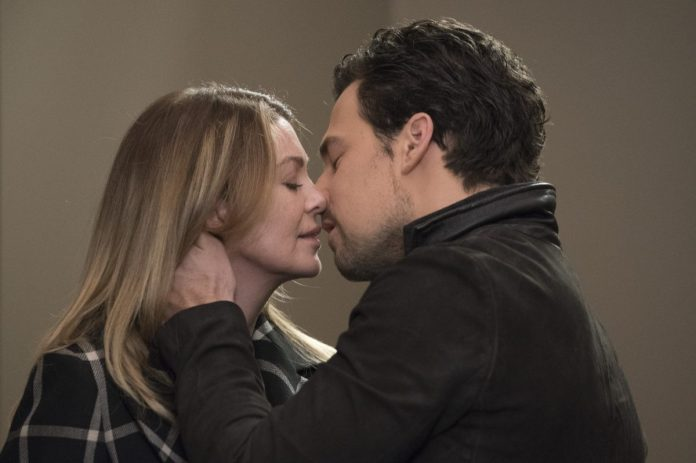 Grey's anatomy has starred Ellen Pompeo as Meredith and Giacomo Gianniotti as DeLuca Kiss.