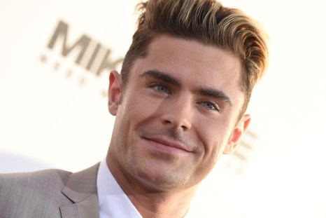 "Social media is going nuts over Zac Efron's ""new"" face"