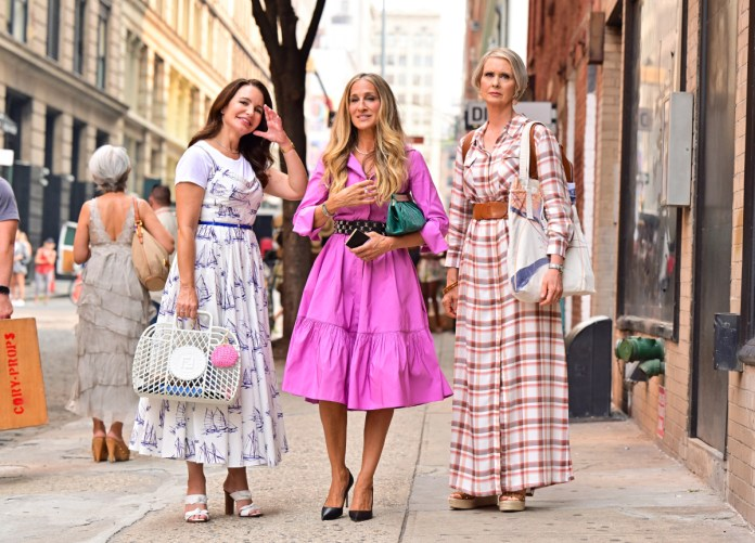 Kristin Davis, Sarah Jessica Parker and Cynthia Nixon are seen on the set of the follow-up series