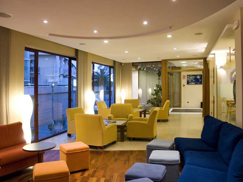 Hotel Acacias Lloret de Mar  Check Jugendreisen