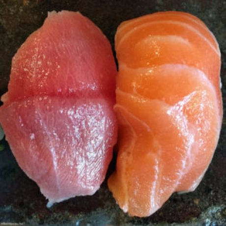 Sake (salmon) and Toro (fatty tuna) sushi at Endo - Osaka, Japan