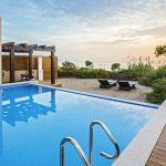 Ανάμεσα στα καλύτερα Resorts της Ευρώπης σύμφωνα με τους αναγνώστες του Condé Nast Traveler τοWestin Resort Costa Navarinoκαι τοThe Romanos Luxury Collection Resort.