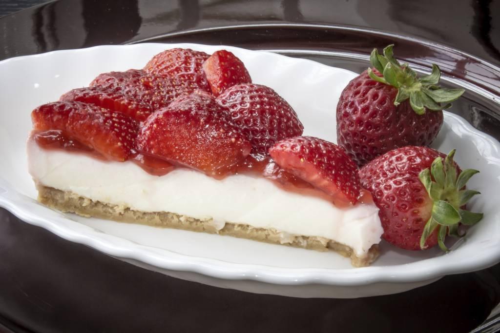 Torta fragole e yogurt senza cottura Ricette di checucinoit