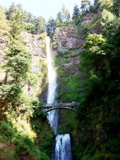 Multnomah Falls. Oregon