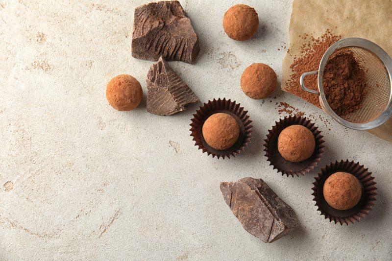 Přidejte vanilkový extrakt, pak se smíchejte, dokud nebude čokoláda zcela roztavená.