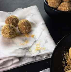 Yummy truffles balls with only 3 ingredients. Super easy to make and taste amazing!