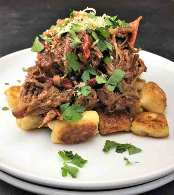 Pulled Lamb Shoulder with Paprika & Capsicum - melt-in-your mouth shreds of moist succulent lamb, with a rich sauce/gravy flavoured with paprika & thyme