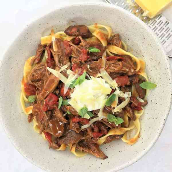 Pulled lamb shoulder with paprika & capsicum - richly sauced tender lamb in one pot