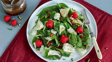 Raspberry-pomelo-salad