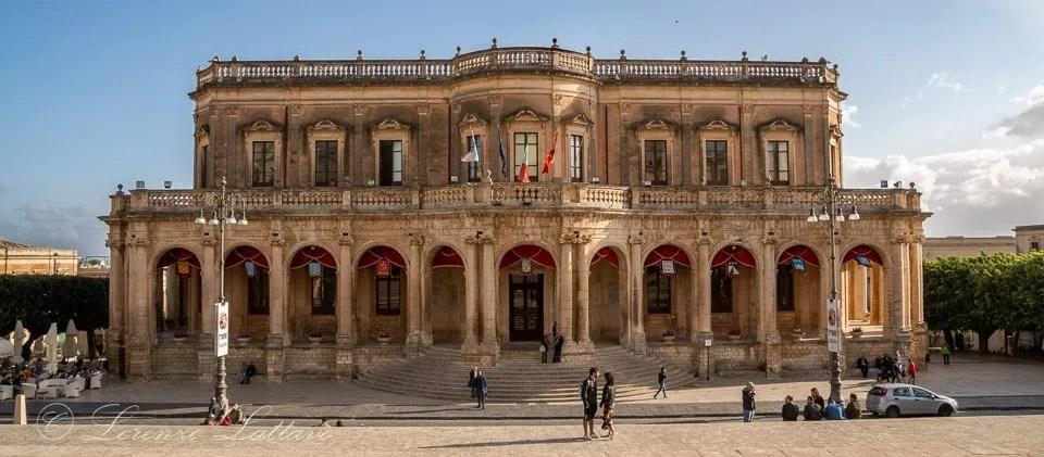 palazzo ducezio, municipio, a noto