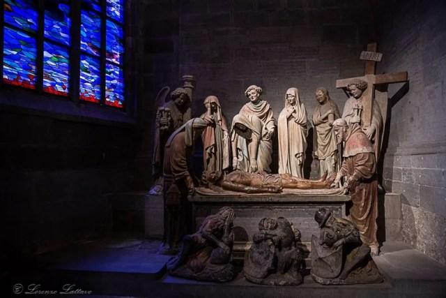 Compianto sul cristo morto nella cattedrale di san nicola a friburgo