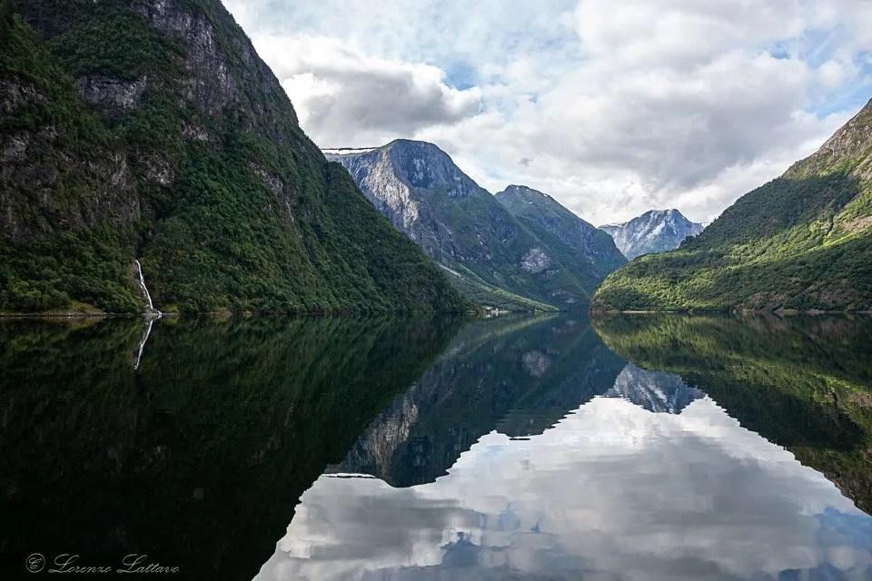 cascata nel Naerofjord