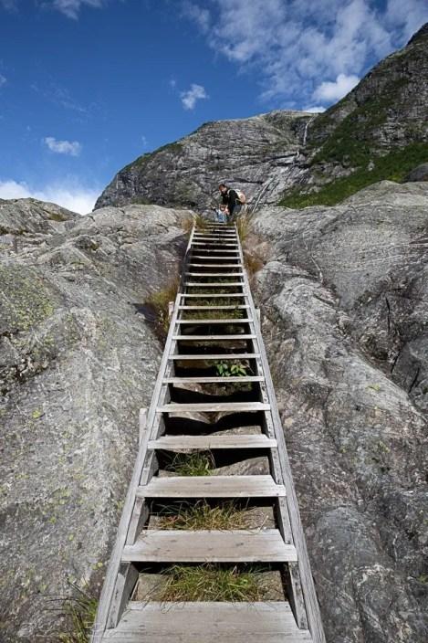 che il viaggio abbia inizio su scala lungo il sentiero per il Nigarsbreen