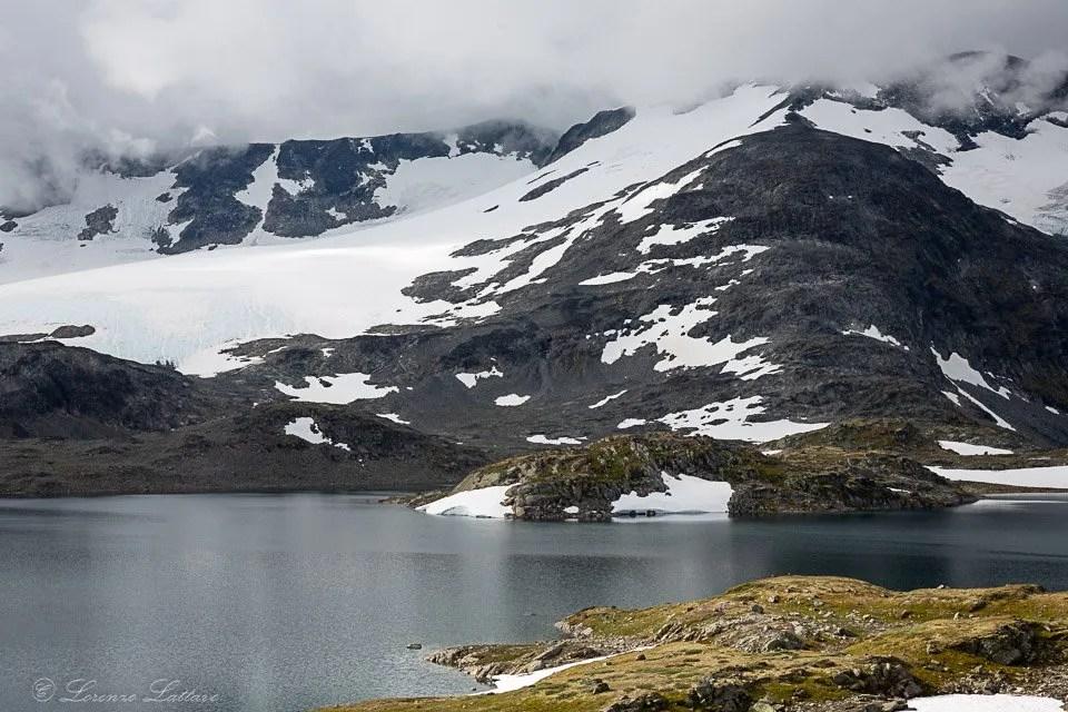 Montagna innevata nello Jotunheimen Nasjonalpark